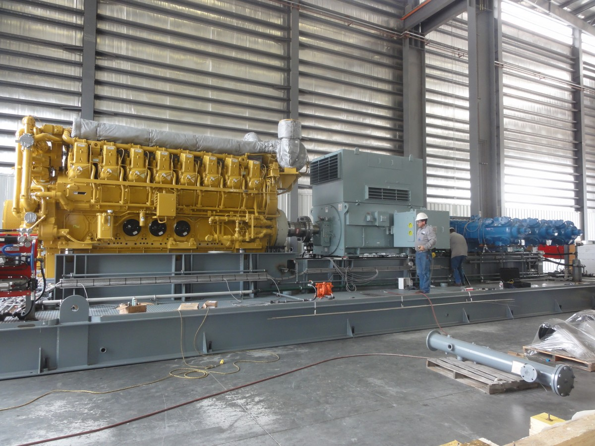 Dual driven reciprocating pipeline compressor with Size 60 SSS Clutch Coupling, on test in SEC workshop in Houston Texas